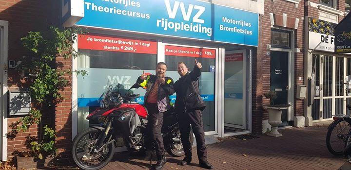 My boyzz Diederik Kolb en Gudo Jonker, gefeliciteerd met het behalen van jullie MOTORRIJBEWIJS!!🎉🎊🏍💨💨 Die Gudo, zal dit examen nooit meer van zn leven vergeten (ik ook niet) 🤣🤣. Gelukkig wist je zelf de weg terug te vinden naar het CBR he😉😉.  Vele veilige kilometers heren!🤗🤗
