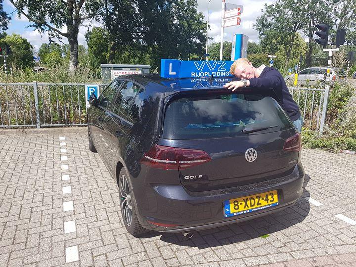 Jaja ook ik heb nu een rijbewijs!!🚗🚗💨💨 Ik ga de auto missen.😧😧 Taoufik bedankt voor de lessen! Groet, Max van der Wel
