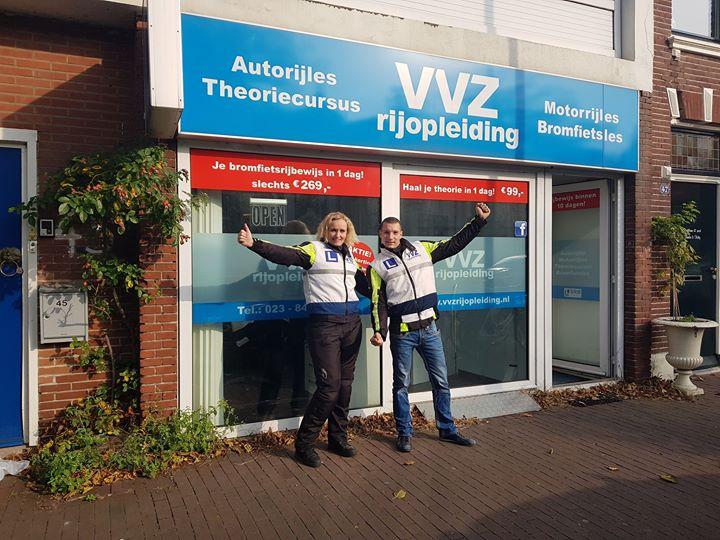 🎉🎉GESLAAGD!!!🎉🎉 Op deze mooie lentedag hebben deze 2 kanjers hun MOTORRIJBEWIJS binnen gesleept. Renee Tijhuis en Robbert Mesman gefeliciteerd en vele veilige kilometers!!!🏍🏍💨💨